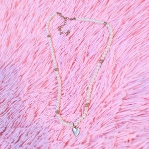 Forever 21 Jewelry - Pearl necklace